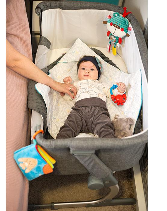 kinderkraft uno 2in1 beistellbett mit matratze babybett kinder baby reisebett. Black Bedroom Furniture Sets. Home Design Ideas
